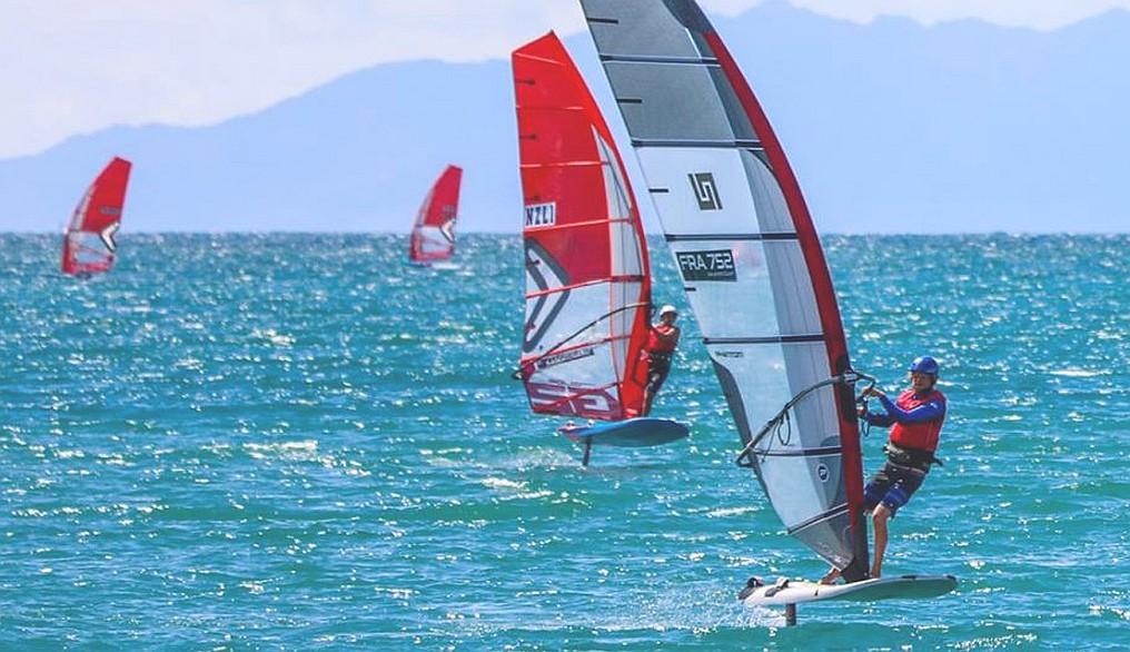 Windsurfers to Windfoil at the Medemblik Regatta – Sailweb