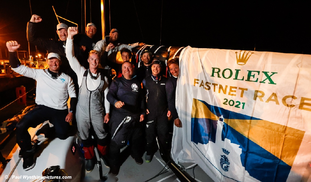 Rolex Fastnet Race InoXXX Finish